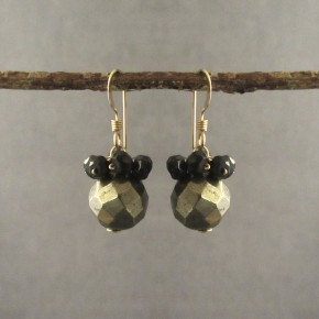 Pyrite & spinel Earrings €64