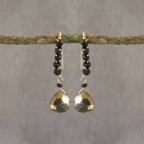 Pyrite & spinel Earrings €66