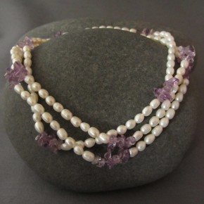 Pearl & Amethyst Necklace €87
