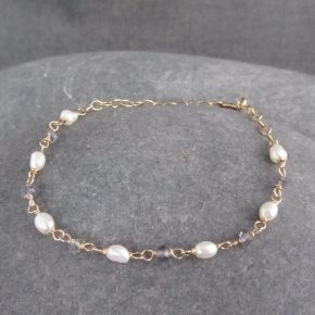 Pearl and Iolite Bracelet €64